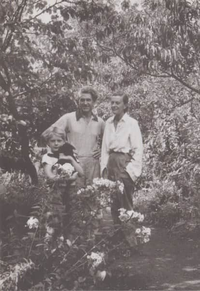 John, Sunday and Sweeney Reed, in the garden at Heide, c. 1952