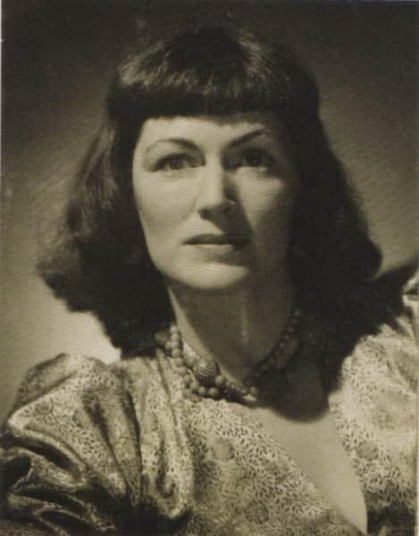 Elizabeth Paterson at art school